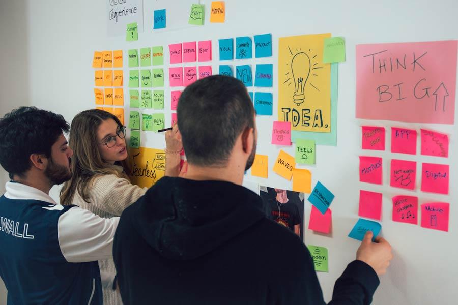 Design-Express-curso-corto-en-innovacion-experiencia-de-usuario-y-design-thnking